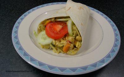 Burrito met groenten, pasta en pesto