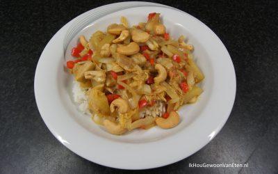 Thaise curry met Chinese kool, Jackfruit, rode paprika en cashewnoten