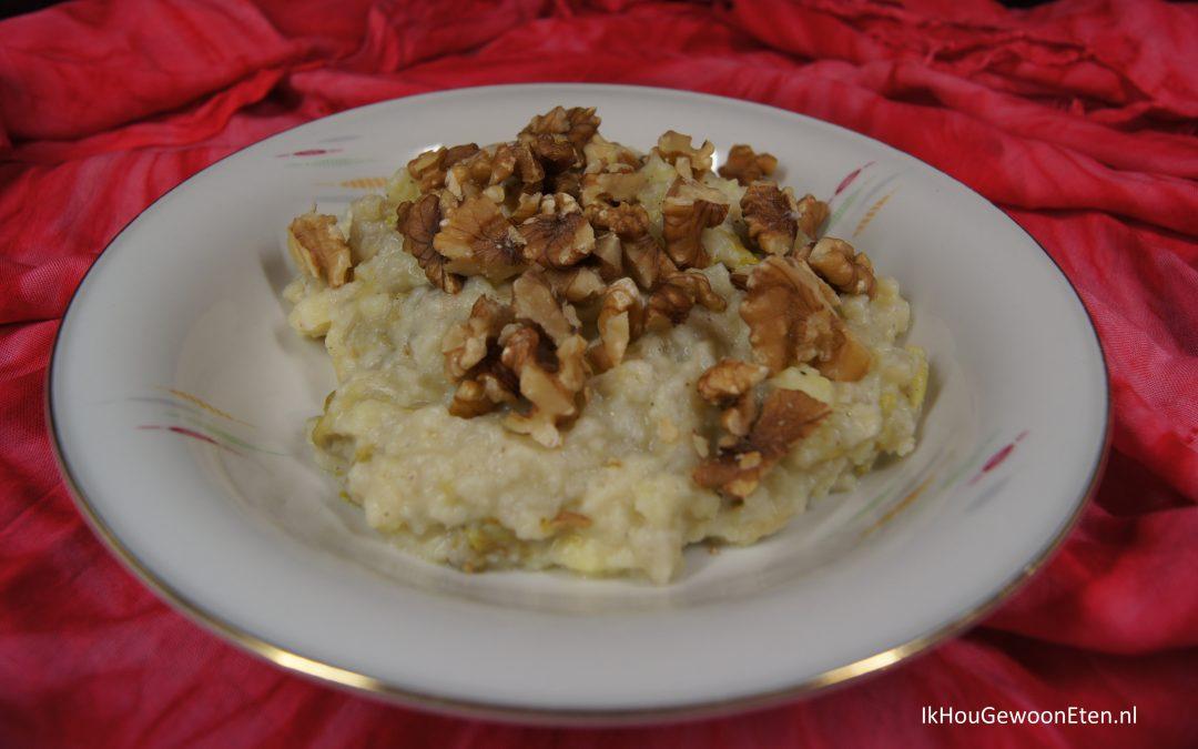 Pastinaakstamppot met gekarameliseerde witlof en walnoten