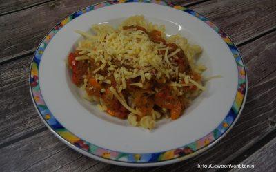 Pastasaus van geroosterde tomaten en paprika's