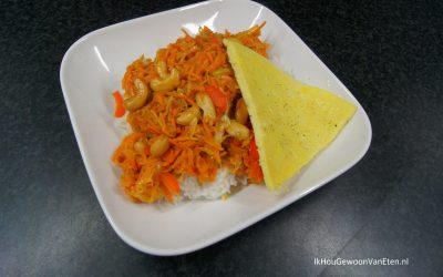 Wortel met sinaasappel en cashewnoten uit de wok