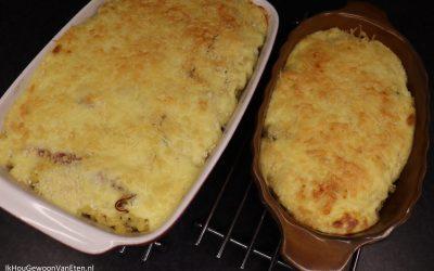 Witlof en macaroni ovenschotel met ham, kaas en ei