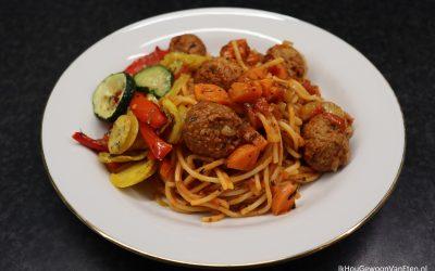 Spaghetti met vega-balletjes in tomatensaus